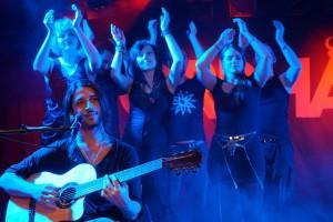 Orphaned Land und Stimmgewalt Choir im Colos-Saal