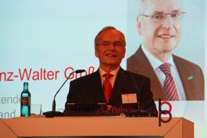 Prof. Dr. Heinz-Walter Große, der Vorstandsvorsitzende der HessenChemie; Foto: Lydia Polwin-Plass