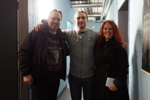 Maik von Heaven Shall Burn mit Lydia und Michael von Metalogy.de