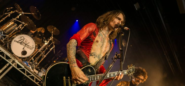 "Nachbericht und FOTOSTRECKE: The Darkness –""Easter Is Canceled"" Tour in der SIMM City Wien"